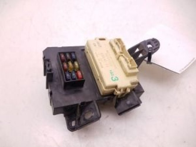 82641-35130 | 1995-1998 toyota tacoma fuse box relay integration module